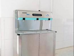 沁园校园直饮水机进驻常德市武陵区34所中小学