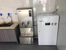 直饮水案例:直饮水设备+步进式开水机
